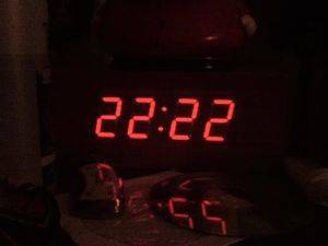 Что означают одинаковые цифры на часах; приметы; суеверия одинаковые числа на часах — О психологии просто